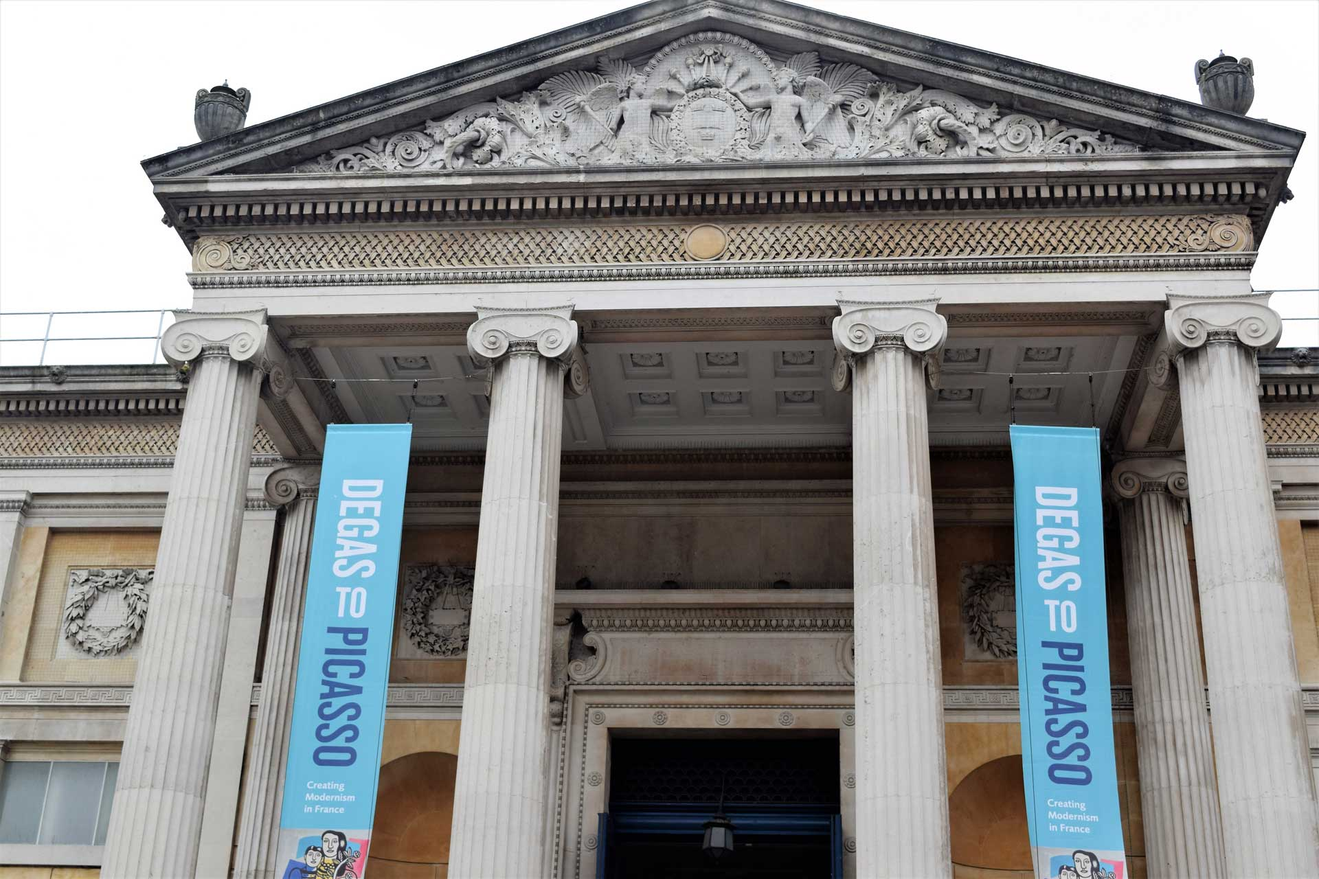 the ashmolean museum the salt compass oxford england day trip plavces to visit