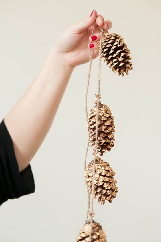 Fall Decor Ideas: Pinecones